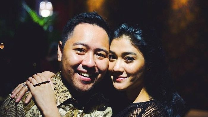 Calon Suami Naysila Mirdad, Ternyata Teman Dekat Sandiaga Uno, Tunda Pernikahan Karena Corona