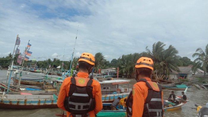 Tim SAR Toboali Bersama AL Pos Toboali Kembali Lakukan Pencarian Nelayan yang Jatuh ke Laut