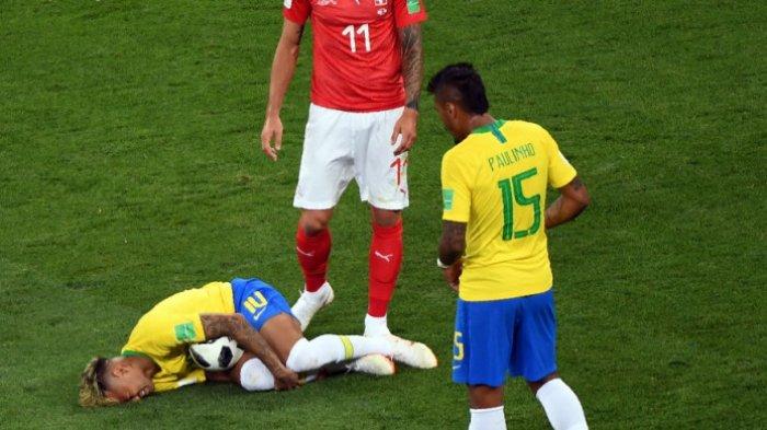 Tertatih-tatih Tinggalkan Latihan, Kondisi Neymar Bikin Timnas Brasil Khawatir