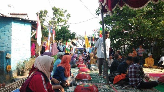 Rayakan 10 Muharram, Warga Gang Wijaya Kusuma Gelar Tradisi Nganggung