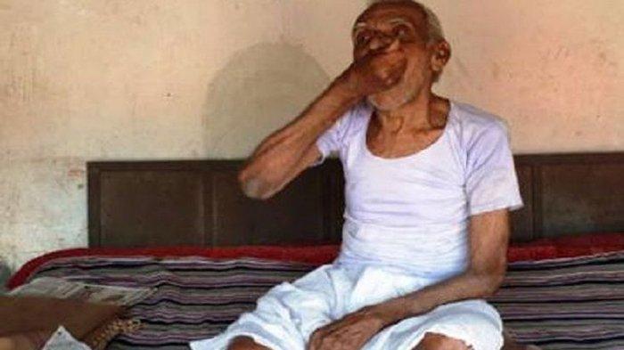 40 Tahun Kakek Ini Doyan 'Ngemil' Pasir, Sekali Santap Bisa 500 Gram