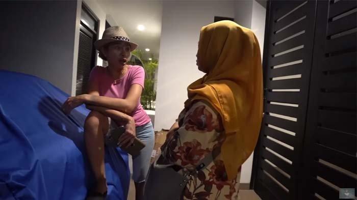 Nikita Mirzani Langsung Kasih Pernyataan Menohok ini Saat Dihampiri Wanita yang Ingin Pinjam Uang