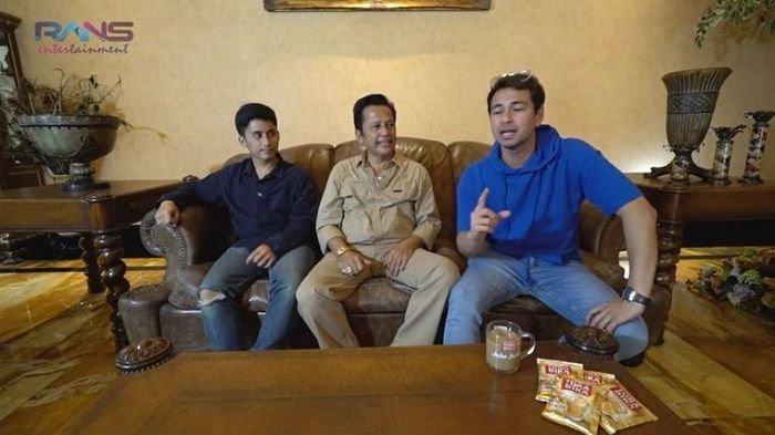Obrolan Raffi Ahmad bersama sepupunya Alshad Ahmad dan sang paman, Mansur Ahmad