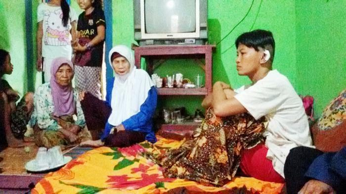 Pembunuhan Sadis, Suami Cekik, Pukul dan Aniaya Anaknya Hingga Tewas di Depan Istri