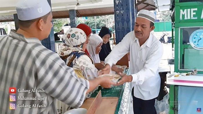 Keajaiban Sedekah, Pedagang Mie Ayam Tak Jadi Operasi Setelah Rutin Gratiskan Ratusan Porsi Makanan