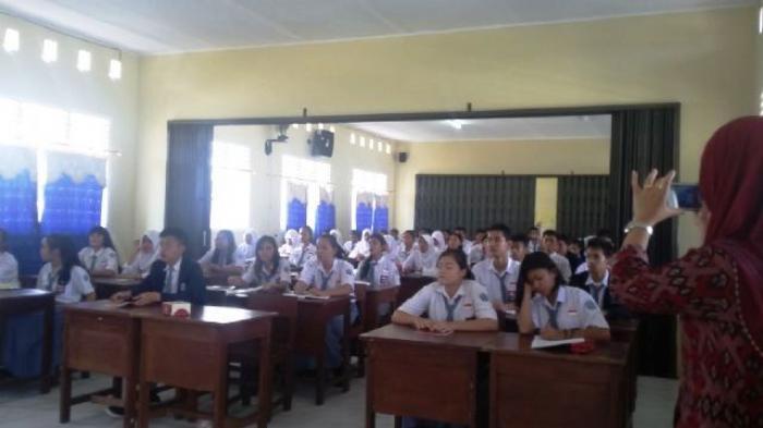 OSIS SMK 2 Koba Gelar Pelatihan Jurnalistik