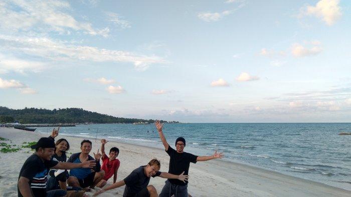 Sensasi Pantai Batu Berakit Sungailiat, Yuk Intip Pesonanya