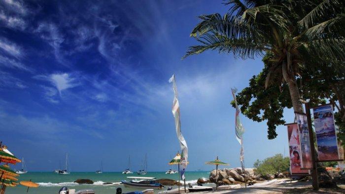 Wisata di Bangka, Berikut 12 Pantai yang Wajib Masuk List Kunjungan Liburan, Kamu Udah Ke Mana Aja?