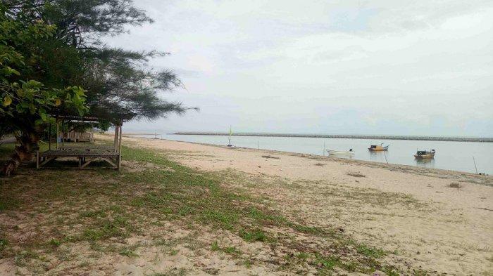Asyiknya Pantai Terentang , Berikut Sederet Alasan Kenapa Tempat Ini Menarik Dikunjungi