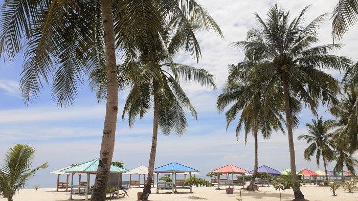 Suasana Keindahan Pantai Tuing Jaya Indah Mapur, Riau Silip