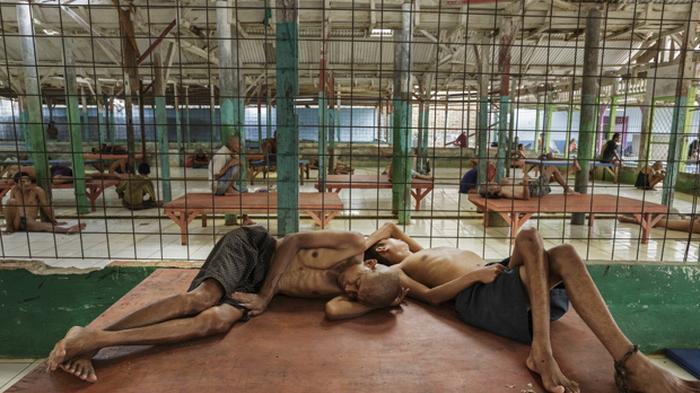 Fotografer Asing Ungkap Beginilah Kondisi Menyedihkan Penderita Sakit Jiwa di Indonesia