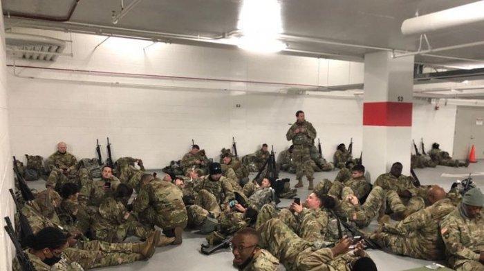 Joe Biden Sampai Minta Maaf Gara-gara Garda Tentara Nasional Telantar Tidur di Parkiran