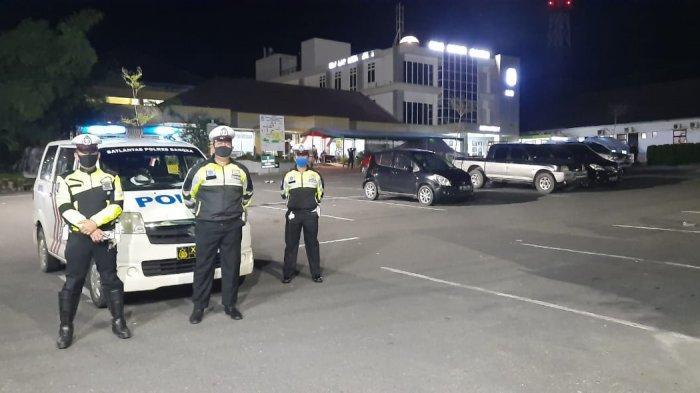 Tekan Kriminalitas, Polisi di Sungailiat Patroli Malam Gunakan Metode Blue Light