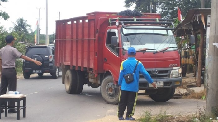 Arus Lalulintas di Kelapa Dialihkan Masuk Perkampungan