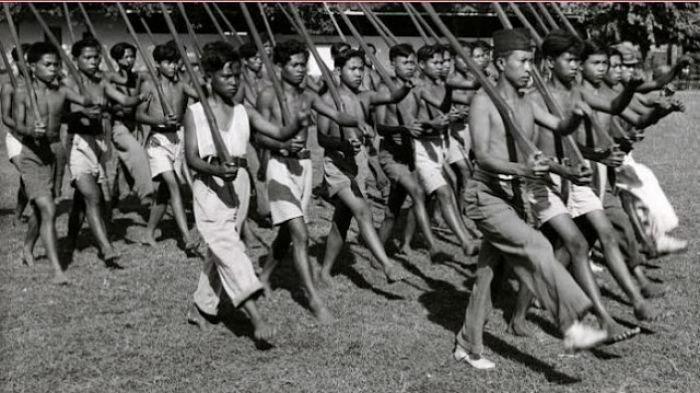 Maling Hingga Pencopet Pun Direkrut Jadi Pasukan Pejuang Tangguh Pengawal Bung Karno