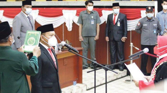 Resmi Dilantik Jadi Ketua DPRD Babel, Herman Suhadi Ajak Erzaldi Bersama Bangun Bangka Belitung