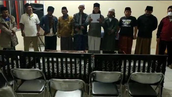 Pelantun Azan Hayya Alal Jihad yang Viral di Media Sosial Minta Maaf