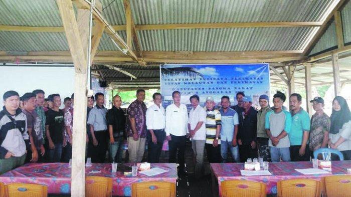 Nelayan di Bangka Barat Dididik Budidaya Ikan Laut