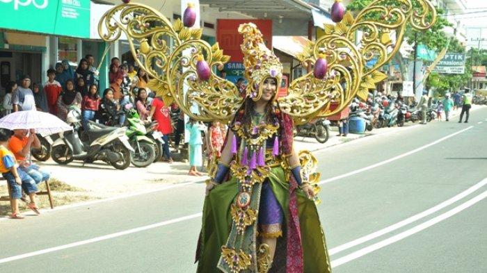 11 Oktober Malam Fashion Show Batik Belitung Timur di Gelar