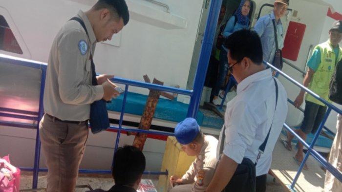 Persempit Aksi Kriminalitas, Barang Bawaan Penumpang Kapal di Tanjungkalian Diperiksa Polisi