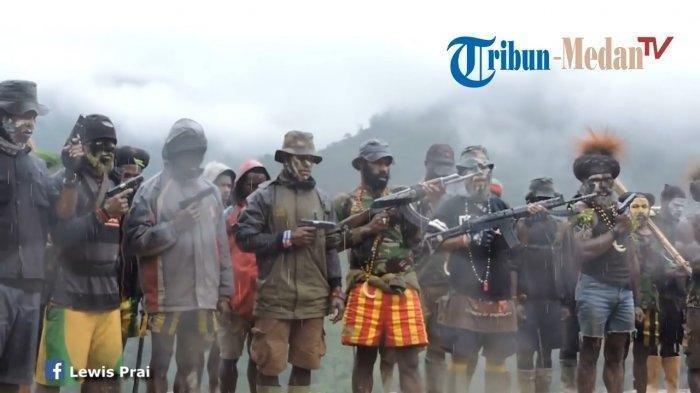 penampakan-kelompok-egianus-kogoya-di-puncak-gunung-papua.jpg