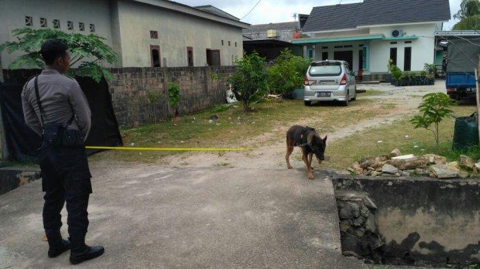 Polisi Langsung Olah TKP dan Bawa Anjing Pelacak