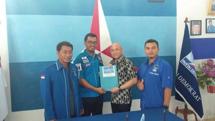Didit Srigusjaya Ambil Formulir Pendaftaran Bakal Calon Bupati Bangka Tengah di DPC Demokrat