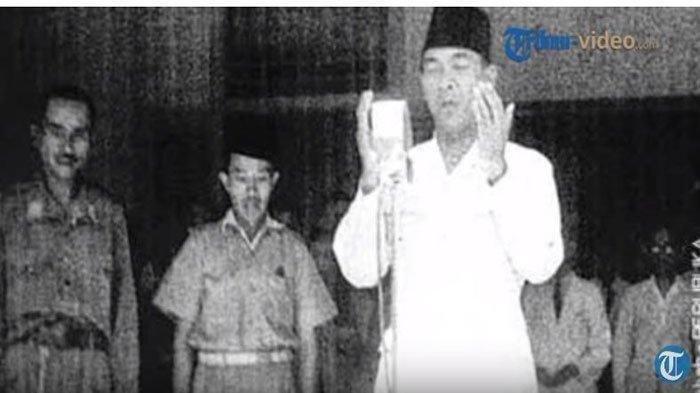 Sniper Gagal Tembak Mati Soekarno saat Salat Idul Adha, Pelaku Ungkap Penglihatannya Mendadak Kabur