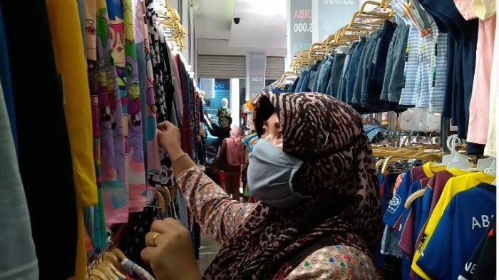 MASUK Toko Baju Harus Pakai Masker dan Cuci Tangan Cegah Covid-19