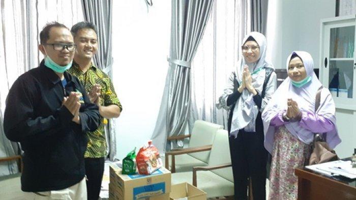 Yayasan Bina Insani Serahkan Bantuan Suplemen Pada Petugas Medis RSUD Marsidi Judono Belitung