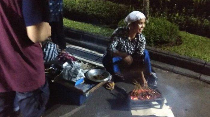 Kisah Penjual Sate Ayam yang Sempat Takut Diajak Jokowi Berjualan di Gedung Agung