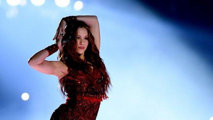 Shakira Kenakan Bikini Ungu Motif Rumbai Bling Bling, Body Seksi Bokong Menggoda,Netizen:Perfectaaa