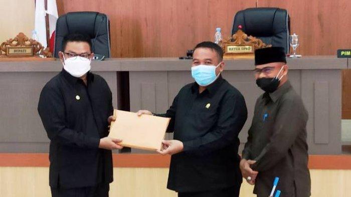 Riza Herdavid Sampaikan LKPJ 2020 ke DPRD Bangka Selatan, Alami Defisit Anggaran Rp51 Miliar