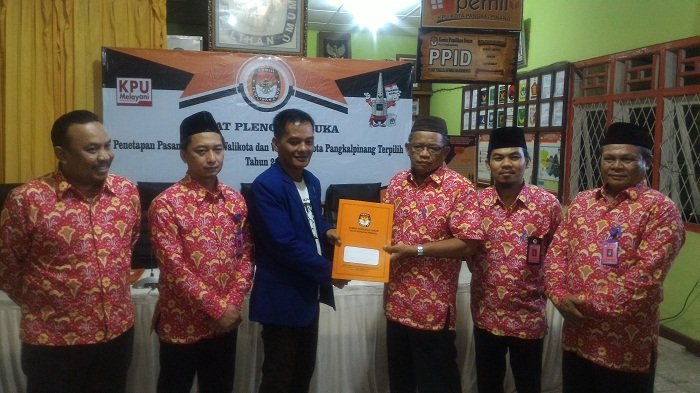 KPU Pangkalpinang Tetapkan Molen-Sopian  Walikota dan Wakil Walikota Terpilih