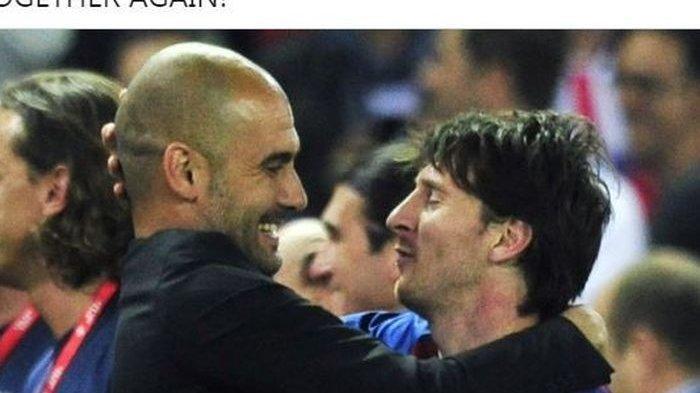 Pep Guardiola dan Lionel Messi berpelukan saat sama-sama membela Barcelona.