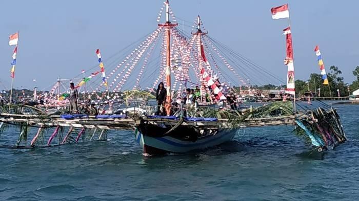 KNPI Babel Berhasil Promosikan Wisata Kepulauan Pongok Lewat Parade Perahu Bagan