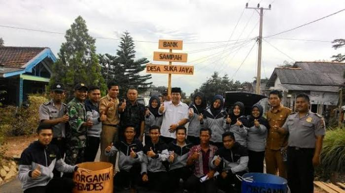 Wagub Resmikan Bank Sampah Karya Mahasiswa KKN STKIP
