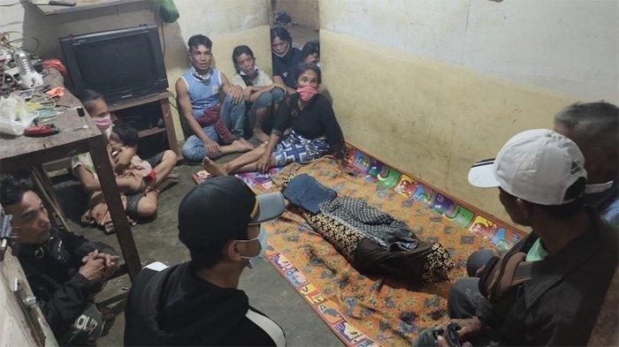 Pergi Mancing Tak Pulang-pulang, Jasad Pria Ini Ditemukan Tinggal Separuh Diduga Diserang Buaya - Tubuh korban serangan buaya di Kecamatan Batang Gansal, Indragiri Hulu (inhu), Riau yang ditemukan tinggal setengah.