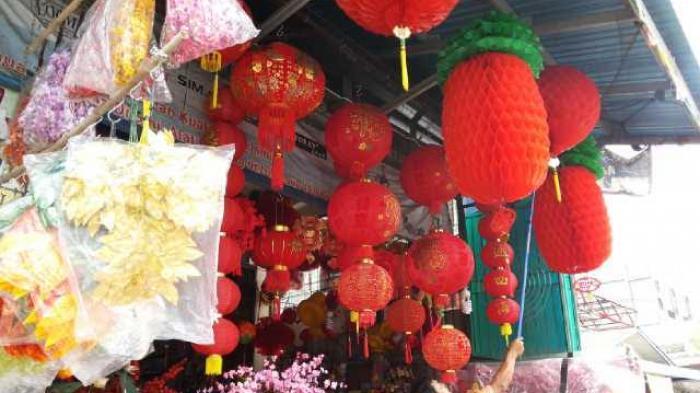 Pernak pernik Imlek Mulai Dijual di Tanjungpandan