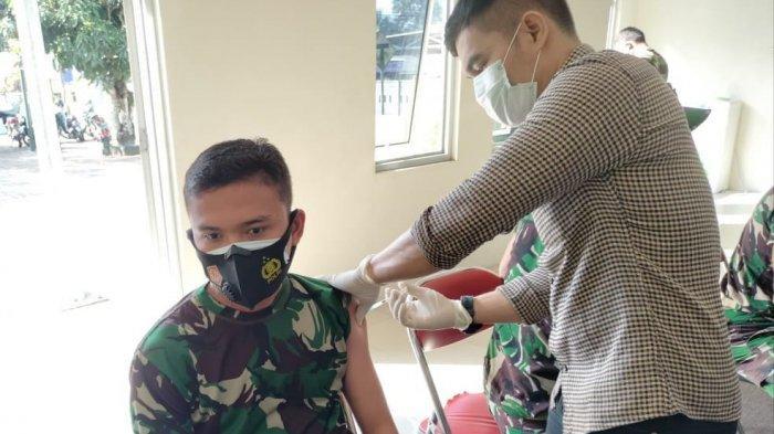 52 Personel TNI AD di Bangka Selatan Disuntik Vaksin
