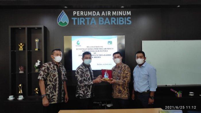 DPRD Bersama Perumda Tirta Bangka Kunjungan Kerja ke Perumda Tirta Baribis Kabupaten Brebes