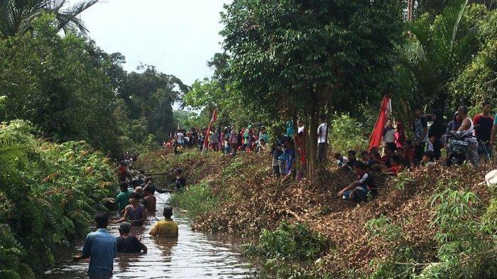 134 peserta Lomba Nirok di Sungai Aiklelap Desa Kayubesi Kecamatan Puding Besar Bangka, Jumat (11/9/2020)