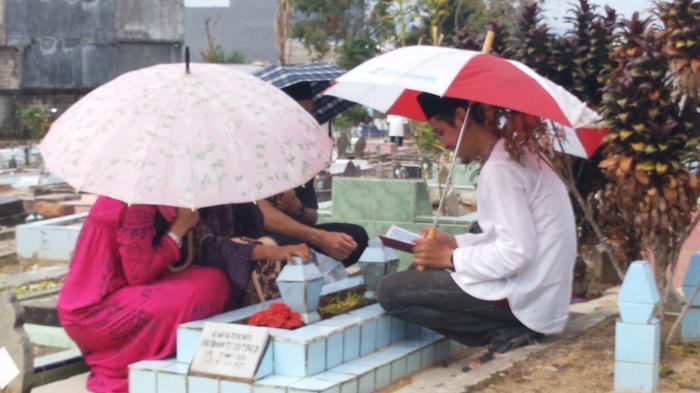Tradisi Unik Lebaran yang Ada di Dunia, Termasuk Nyekar di Indonesia