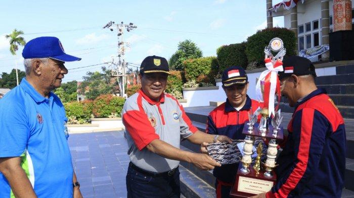 Kecamatan Rangkui Raih Juara Umum Porkot 2017