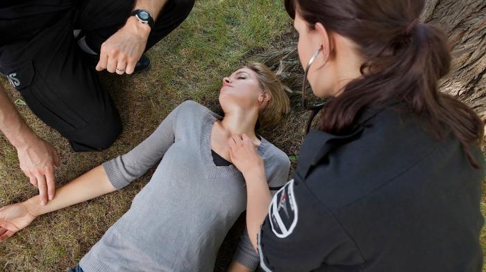 Perempuan Ini Akan Lumpuh Mendadak hingga Pingsan Lihat Pria Ganteng, Alami Penyakit Cataplexy