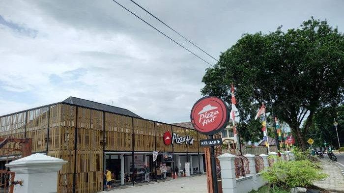 Sederet pembangunan di Kota Pangkalpinang berhasil dilakasanakan di tahun 2020 meski di masa Covid-19, diantaranya berdirinya Pizza HUT di Kota Pangkalpinang.