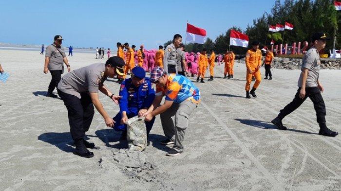 Polda Babel Gelar Bersih Pantai