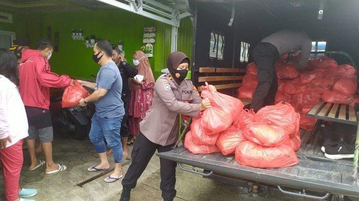 Polres Bangka Bagikan 233 Paket Sembako untuk Korban Banjir, Ringankan Beban Warga