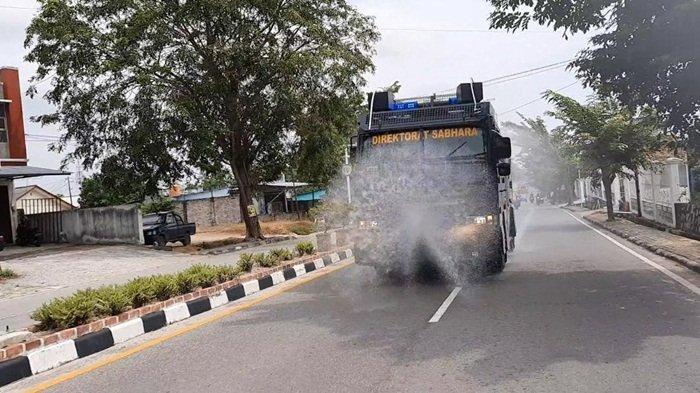 Polres Bangka Semprotkan Disinfektan ke 11 Lokasi Ini, Termasuk Kapal Nelayan dan Pelabuhan
