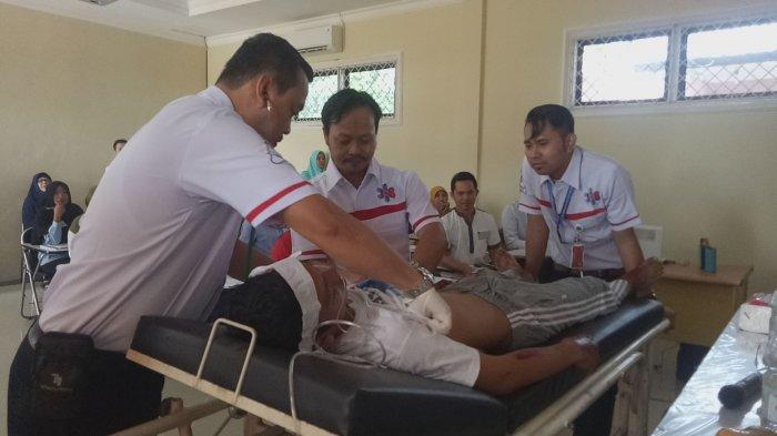 Stikes Citra Delima Bekali Mahasiswa Ners Pelatihan Pananganan BT dan CLS
